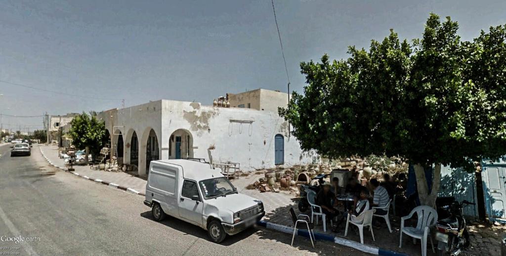 Potiers et poteries à Guellala sur l'île de Djerba en Tunisie. Poteri20