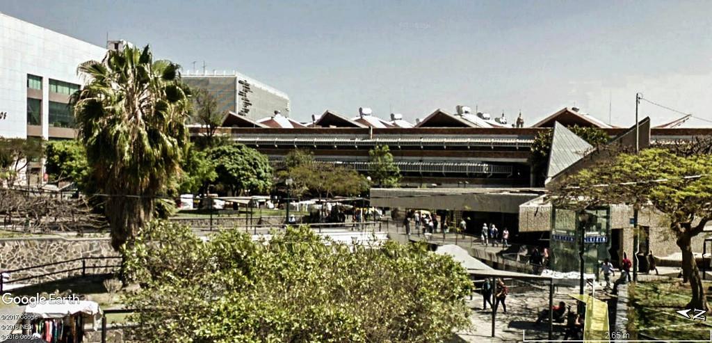 STREET VIEW : halles et marchés couverts - Page 3 San_ju12