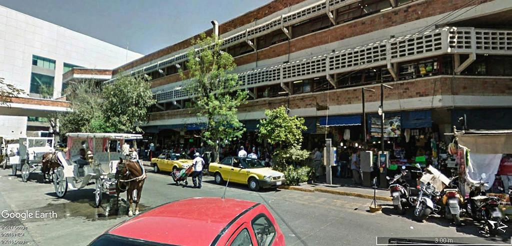 STREET VIEW : halles et marchés couverts - Page 3 San_ju13