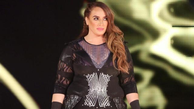 [Forme] Une lutteuse de la WWE absente pendant plusieurs mois ! Nia-ja10