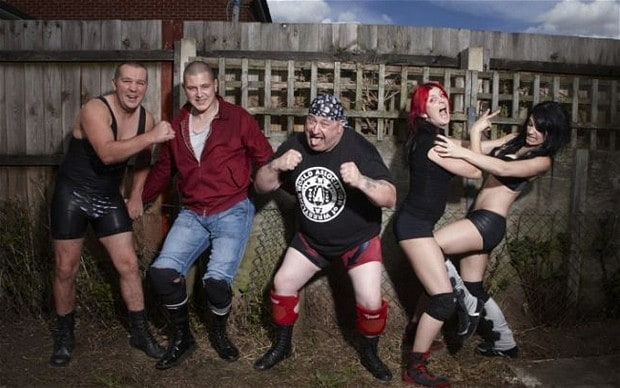 [Vidéo] The Wrestlers: Fighting with My Family (documentaire sur la famille Knight) Wrestl11