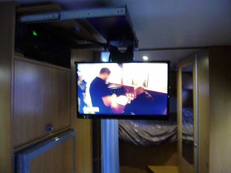 Je recherche une nouvelle télévision pour mon Titi P2060010