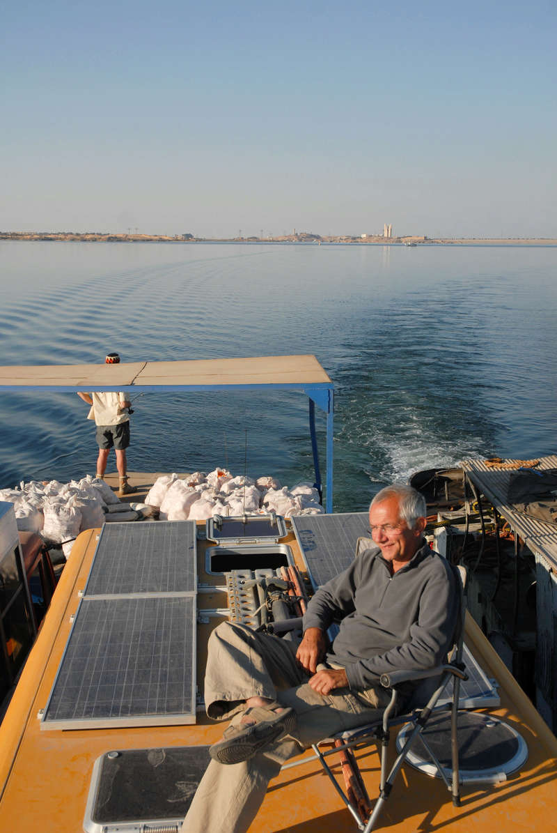 Le Lac Nasser, Embarquement de Man Egy_mp14