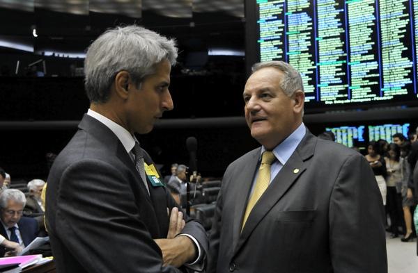 Marco Civil: neutralidade da rede está em risco após acordo do governo com teles(O Fim da Internet livre no Brasil) Alessa10