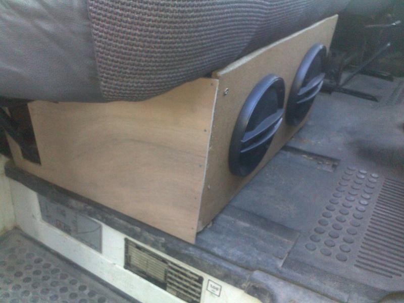[MK4] Ford Transit 100L 2.5D Fourgon 80cv - Page 2 15122011
