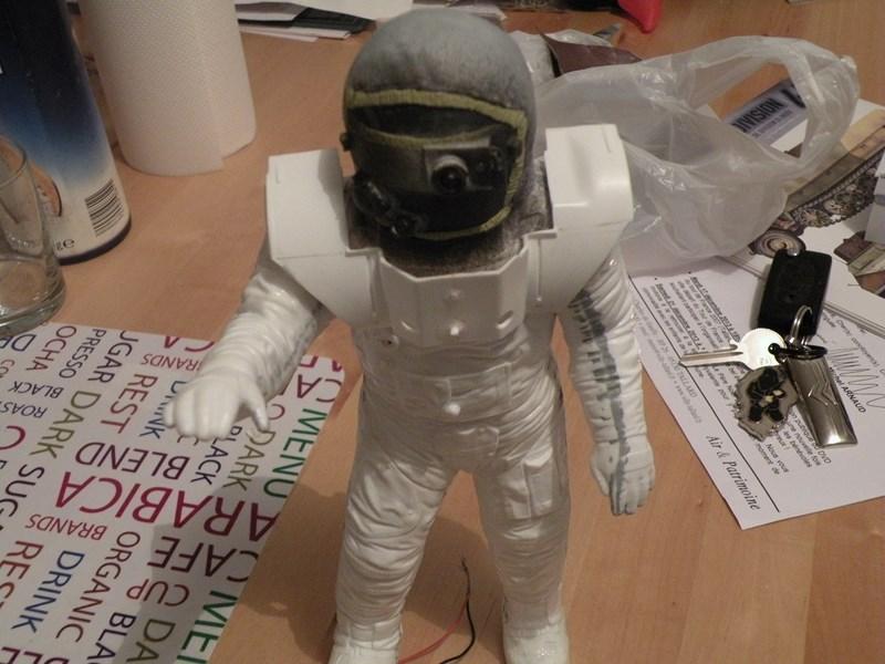 """astronaute APOLLO (revell 1:8)......modifié un petit peu....en version """"space marines"""" ! Dscn9712"""