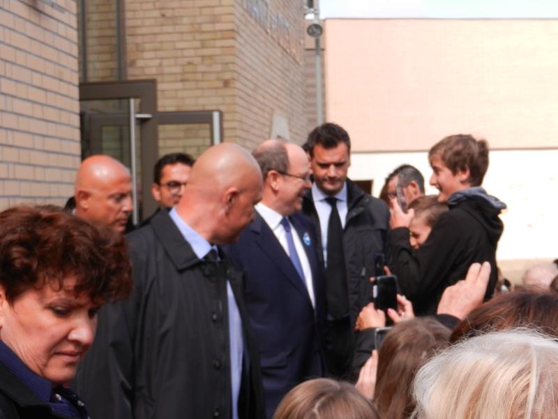 venue du Prince Albert de Monaco à Jonchery Dscn2211