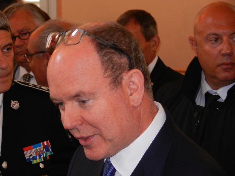 venue du Prince Albert de Monaco à Jonchery Dscn2213