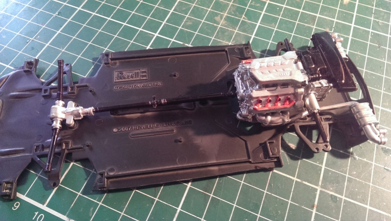 Audi R8 1:24 von Revell Imag2615