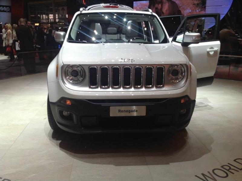 La petite Jeep présentée à Genève s'appellerait Laredo - Page 2 Renega10