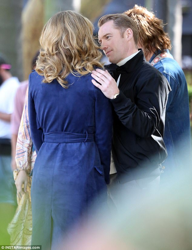 "RONAN DANS SERIE AUSTRALIENNE ""LOVE CHILD "" 3ecc5610"