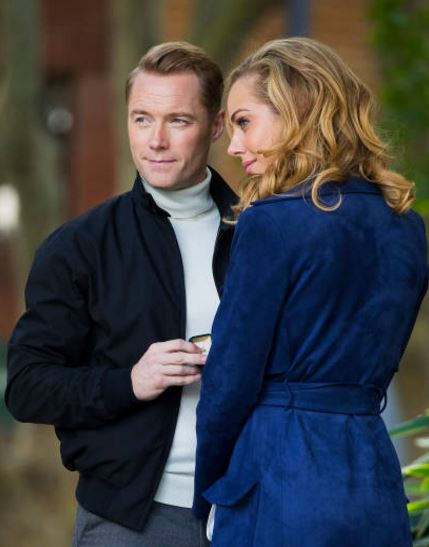 "RONAN DANS SERIE AUSTRALIENNE ""LOVE CHILD "" B10"