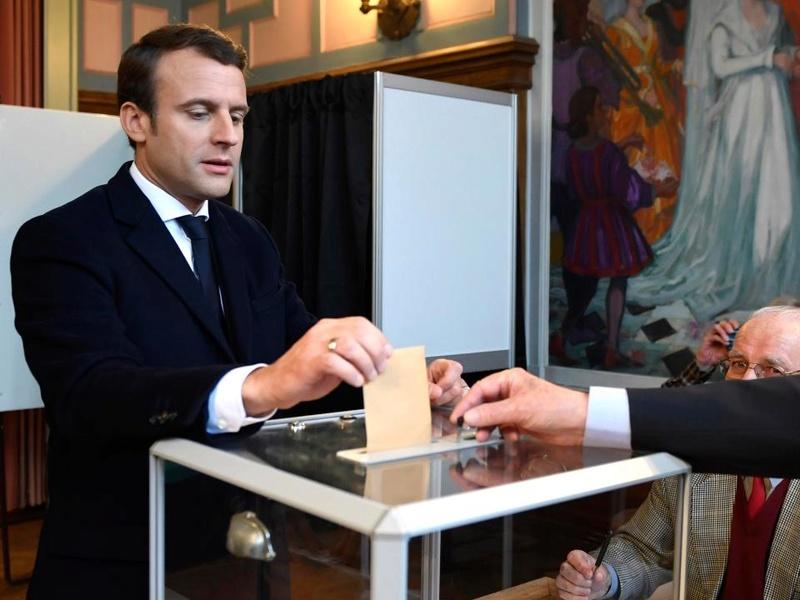 EMMANUEL MACRON PRESIDENT DE LA REPUBLIQUE FRANCAISE Nintch13