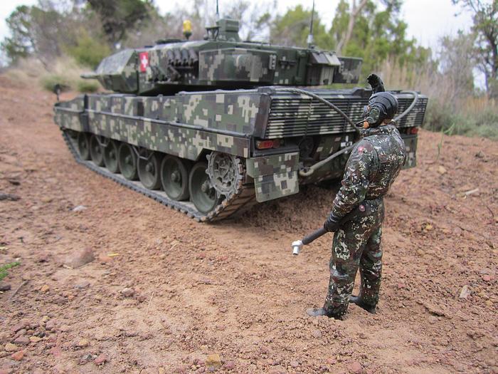 Digital Nato Leo 2 Lg-23310