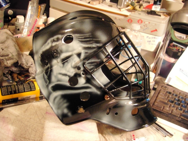 Painting a Goalie Mask Pdr_2611