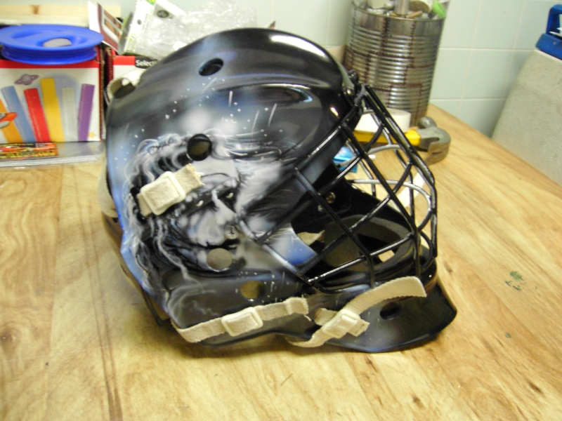 Painting a Goalie Mask Pdr_2620