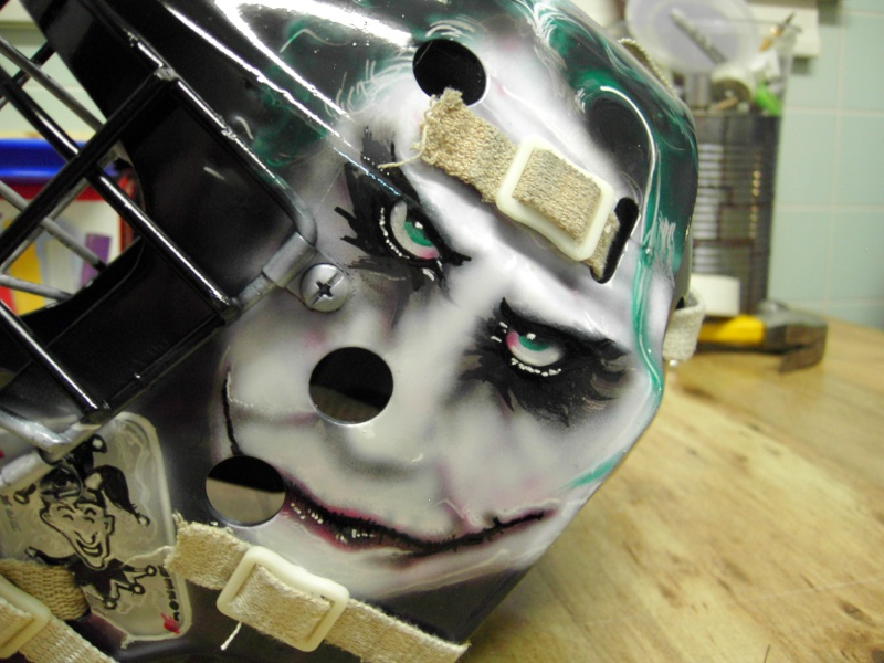 Painting a Goalie Mask Pdr_2622