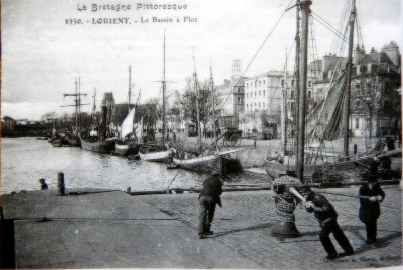 [Les ports militaires de métropole] Port de LORIENT - Page 3 Cpa_al11