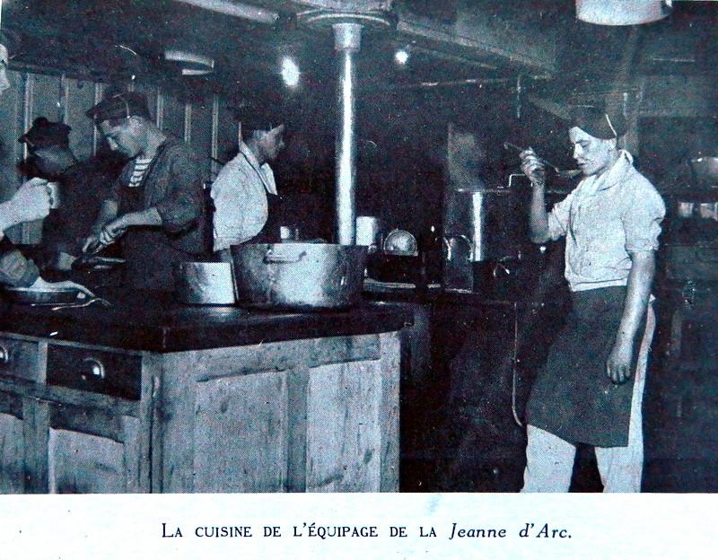 CROISEUR ÉCOLE JEANNE D'ARC - Page 12 Monde_29