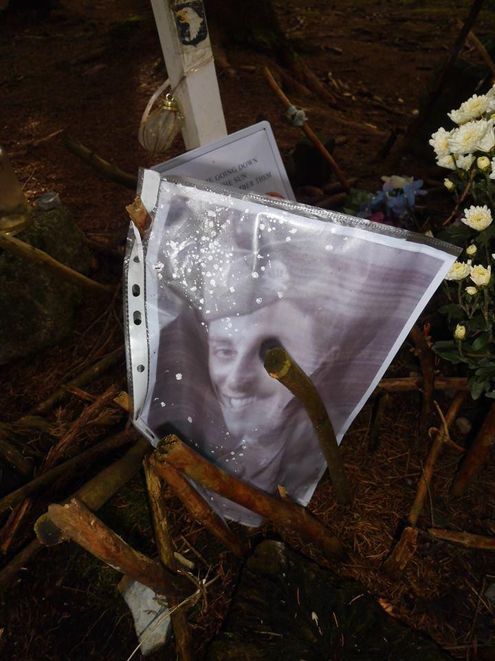 encore un frère d'armes de disparu RIP Franck J.Perconte 14514410