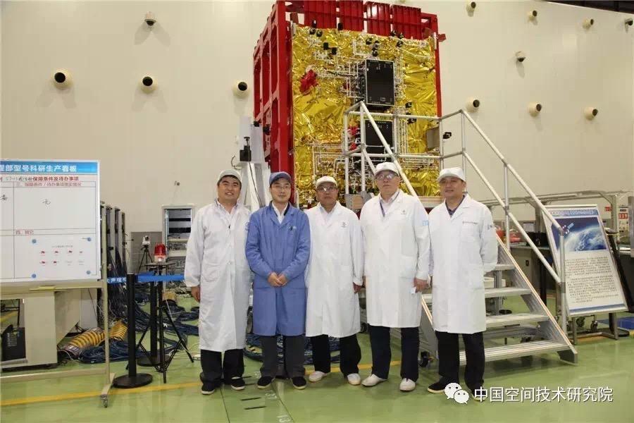 CZ-3B (Shijian-13 / Zhongxing-16) - 12.4.2017 Milita10