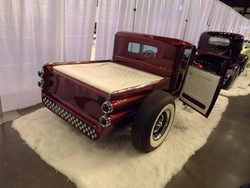 Larry Woods - '31 Ford Pick up hot rod - Boerne Stage Kustom 62225010