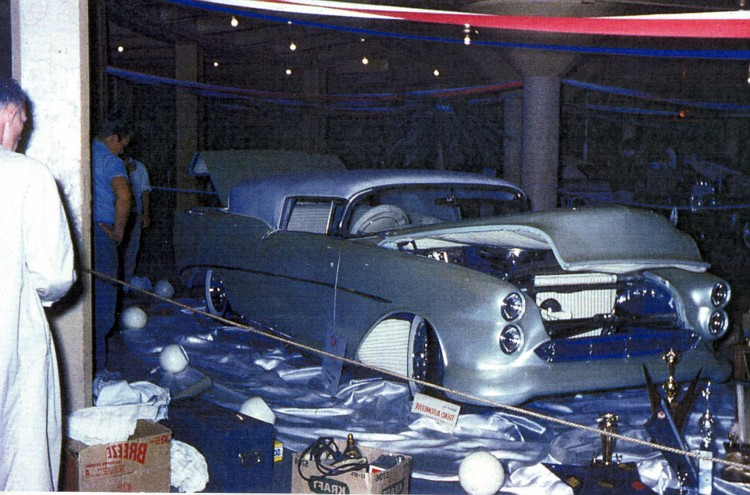 Oldsmobile 1948 - 1954 custom & mild custom - Page 3 Fuzzy111
