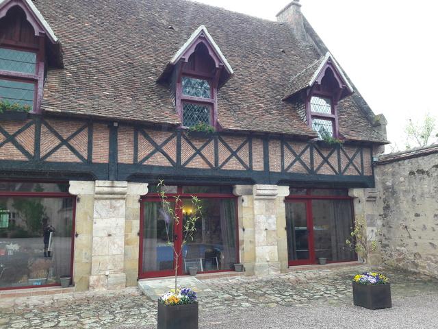 Bourse dans le château de Peufeilhoux à Vallon en Sully (03)- Les 13/14 Mai 2017 - Page 2 20170517