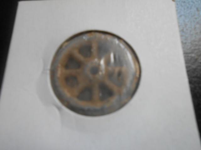 mes monnaie gauloise et une fusaiole + 2 romaine et un bonus Dscn0326