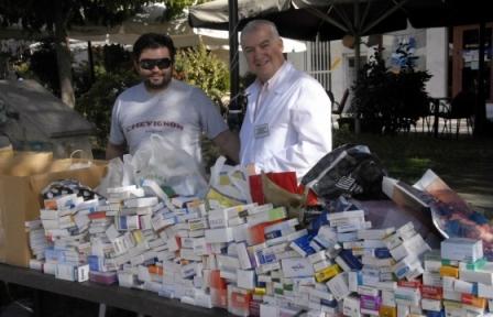 Συγκεντρώνουμε φάρμακα και υγειονομικό υλικό στο Μαρούσι 03/05/2014 Farmak10