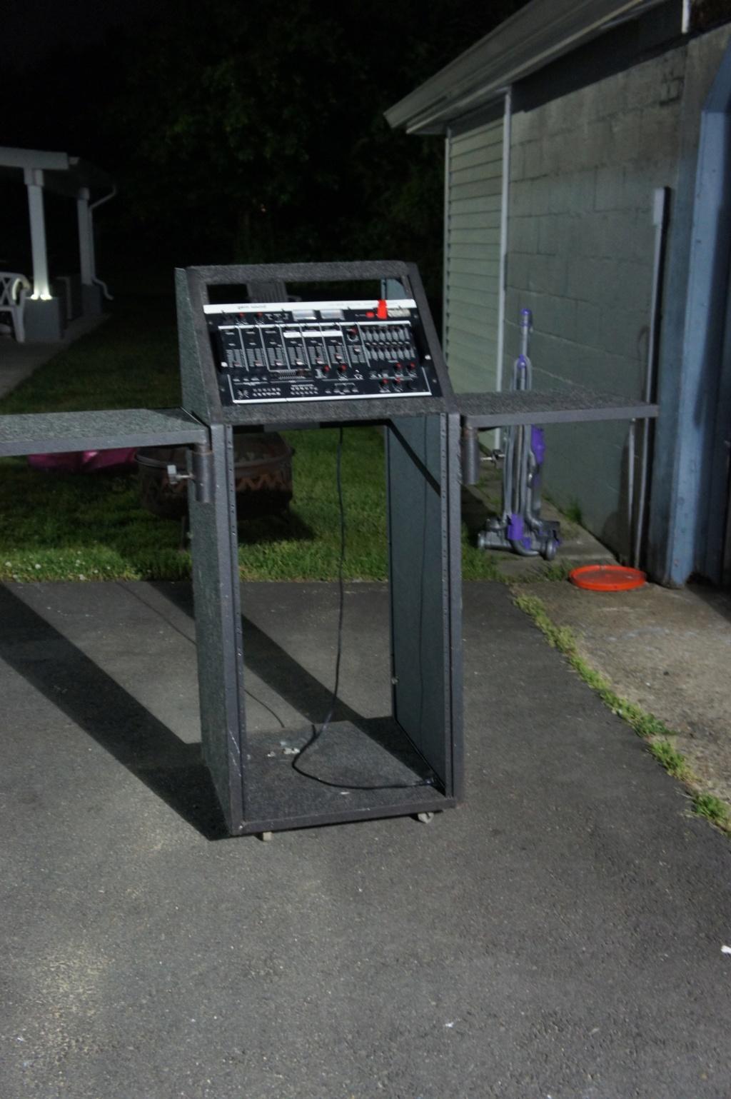 My DJ consoles  - Page 2 Dsc00112