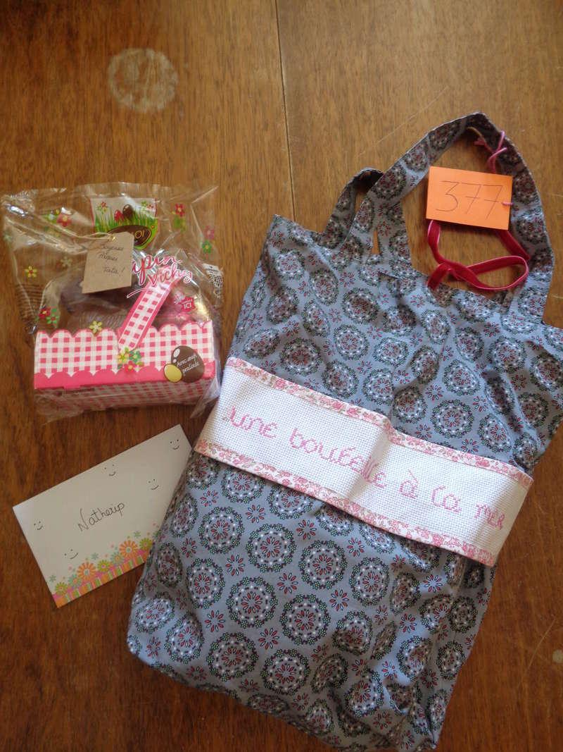 [Partenariat] La ronde des sacs à cadeaux (SUITE) - Page 3 Dsc01810