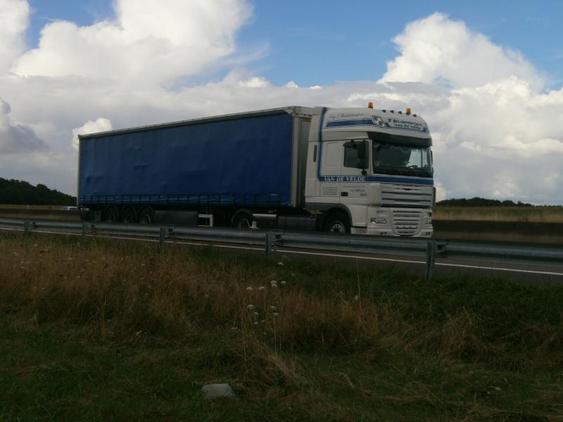 Transport Van de Velde (Melle) P8271837