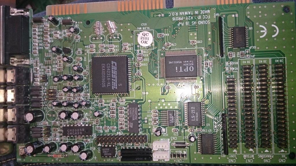Cabler un roland mt-32 Dsc_0210