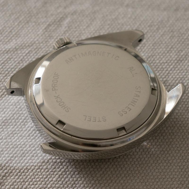 Jaeger - [Ici TOPIC des demandes d'IDENTIFICATION et RENSEIGNEMENTS de vos montres] - Page 38 Dsc08911