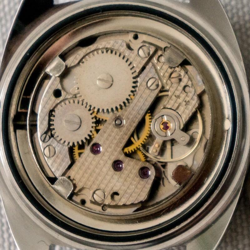 Jaeger - [Ici TOPIC des demandes d'IDENTIFICATION et RENSEIGNEMENTS de vos montres] - Page 38 Dsc08912