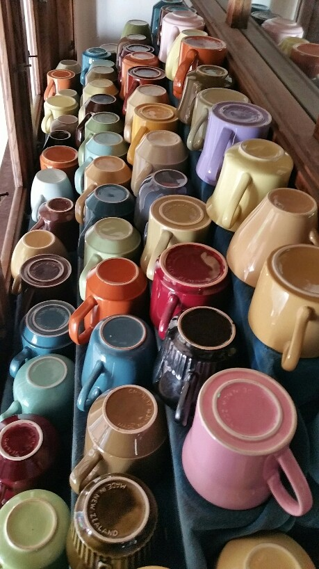 Colour glaze cups 2017-010