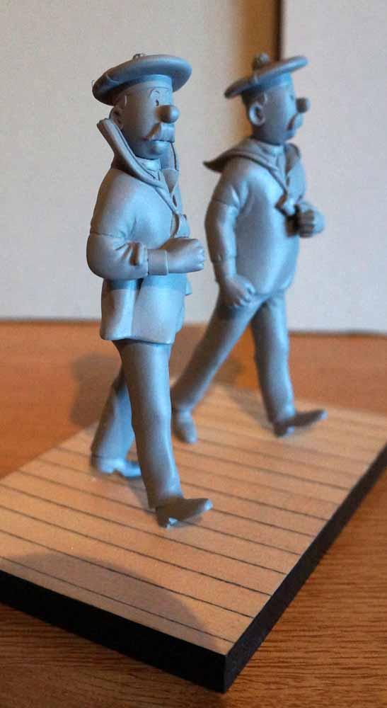 mise en peinture de figurines Tintin - Page 5 Dsc00626