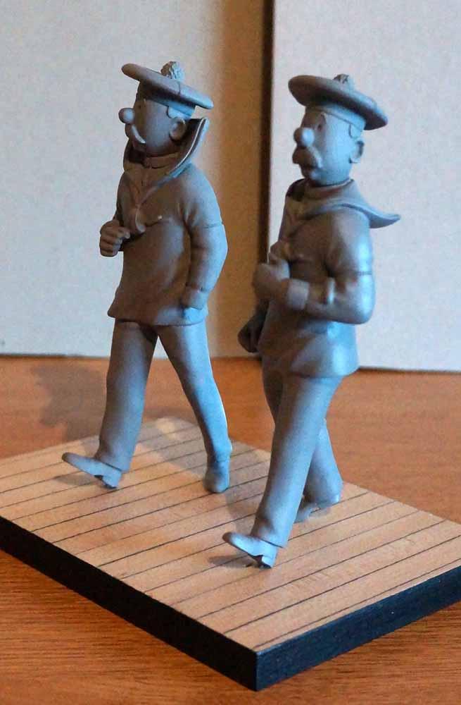 mise en peinture de figurines Tintin - Page 5 Dsc00629