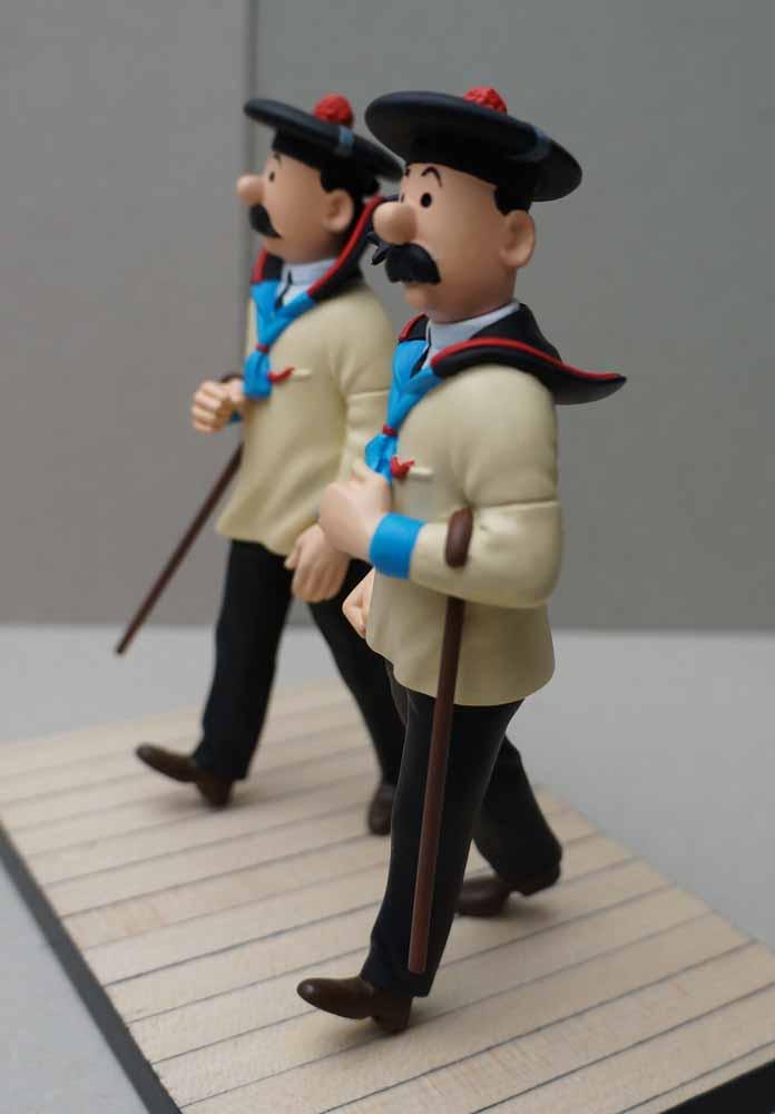 mise en peinture de figurines Tintin - Page 5 Dsc00639