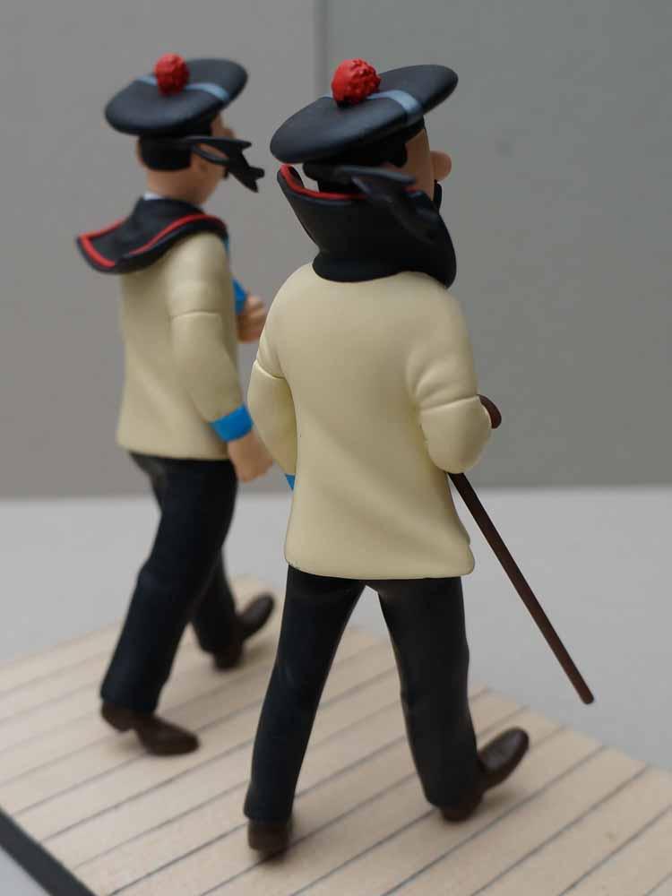 mise en peinture de figurines Tintin - Page 5 Dsc00641