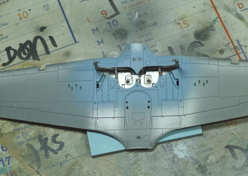 [ARMA HOBBY] Hurricane Mk I metal wing 1/72 -- 73sq Flight B James DENIS (FINI) - Page 2 Arma_211