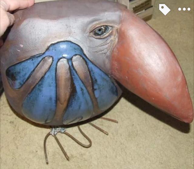 Bird figurine metal feet Img_8711