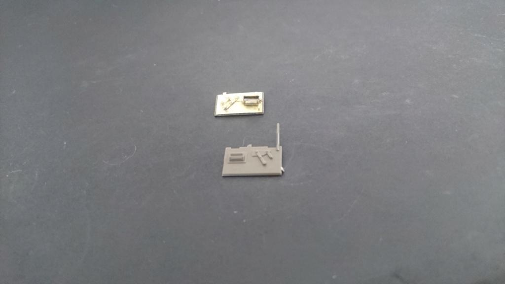 M8 Greyhound Tamiya 1/35 + photodécoupe ABER et Royal Model - Page 2 M8_1010