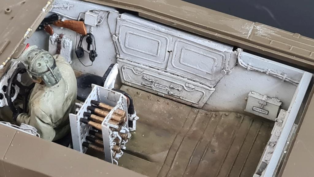 M8 Greyhound Tamiya 1/35 + photodécoupe ABER et Royal Model - Page 3 M8_1310