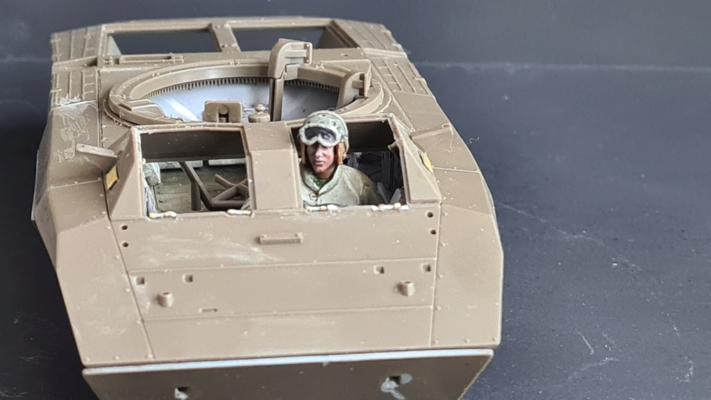 M8 Greyhound Tamiya 1/35 + photodécoupe ABER et Royal Model - Page 3 M8_1510