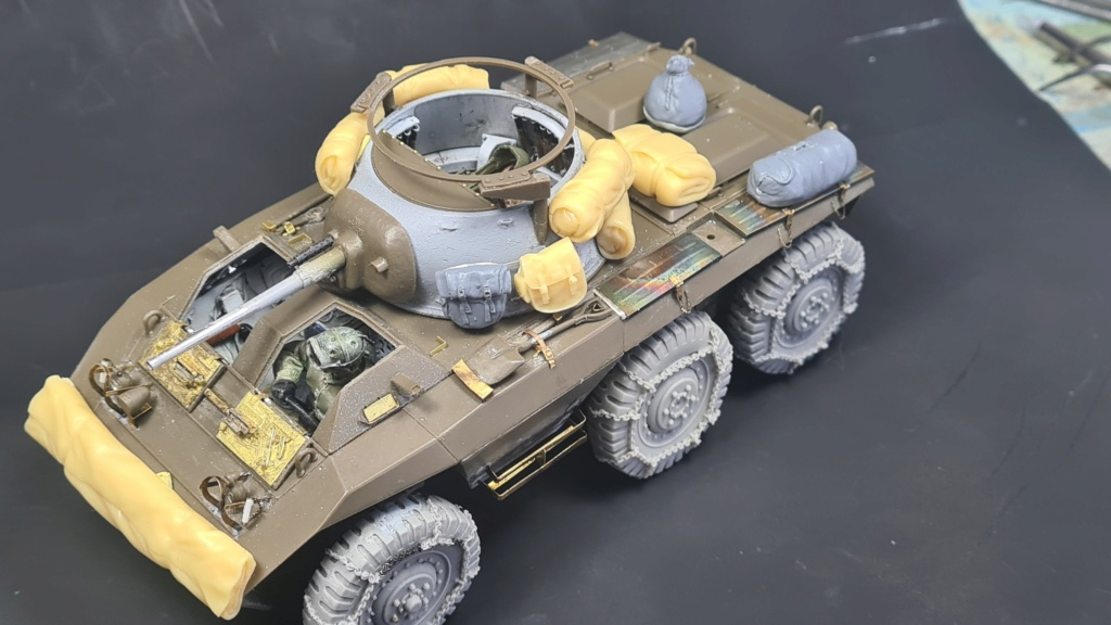 M8 Greyhound Tamiya 1/35 + photodécoupe ABER et Royal Model - Page 6 M8_2310