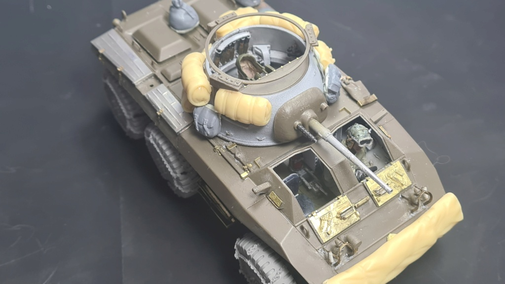 M8 Greyhound Tamiya 1/35 + photodécoupe ABER et Royal Model - Page 6 M8_2510