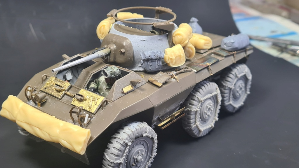 M8 Greyhound Tamiya 1/35 + photodécoupe ABER et Royal Model - Page 6 M8_2610