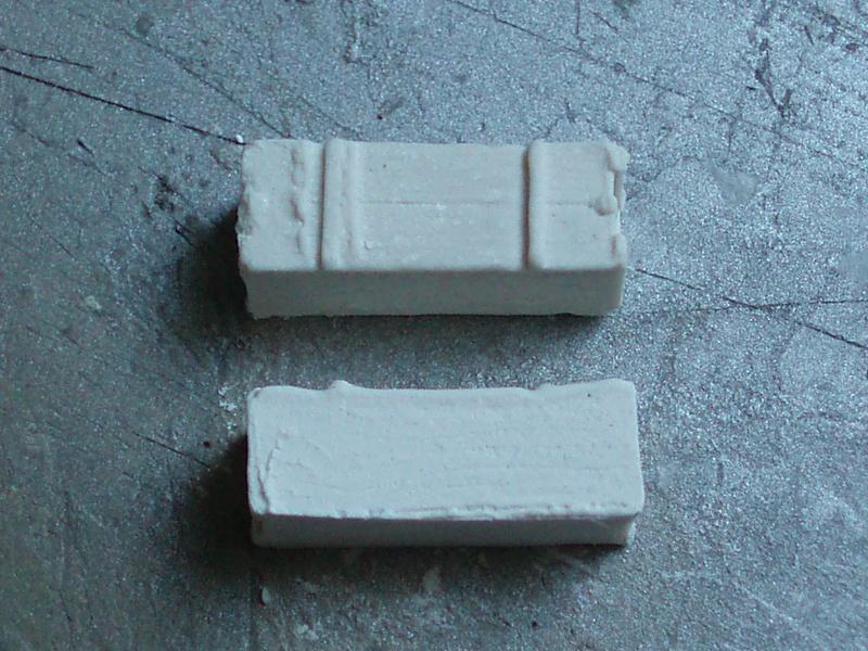 Moule silicone pour petit accessoires. P4090110